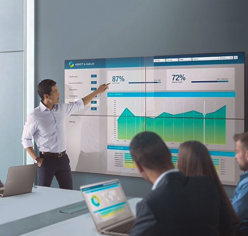 4 ways on how retailers can use digital displays to attract more customers